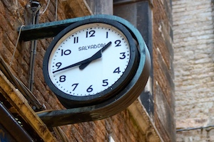 time clock watch hours minutes speed efficiency time