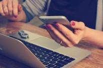 mobile phone cell screen tech user