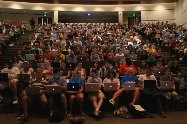 students_with_laptops_flickr_by_chris.corwin_1477994596_c09c87e870_o-100254931-primary.idge
